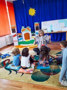 Atelierele de Vară Șotron: la grădinița din Moinești (Bacău)